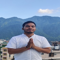 Yogi Anuj Bhandari Ji - Alignement Yoga Teacher